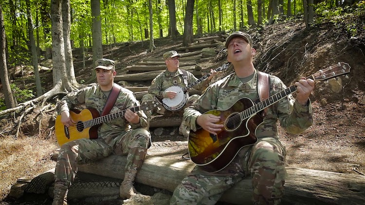 Six-String Soldiers of the U.S. Army Field Band Play a Beautiful Cover of Pink Floyd's 'Wish You Were Here'