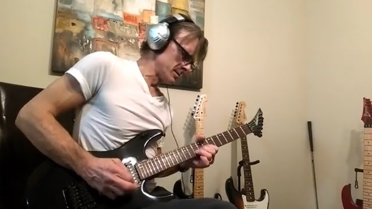 Guitarist Plays a Pitch Perfect Replication of the Iconic Solo From the Pink Floyd Song 'Money'