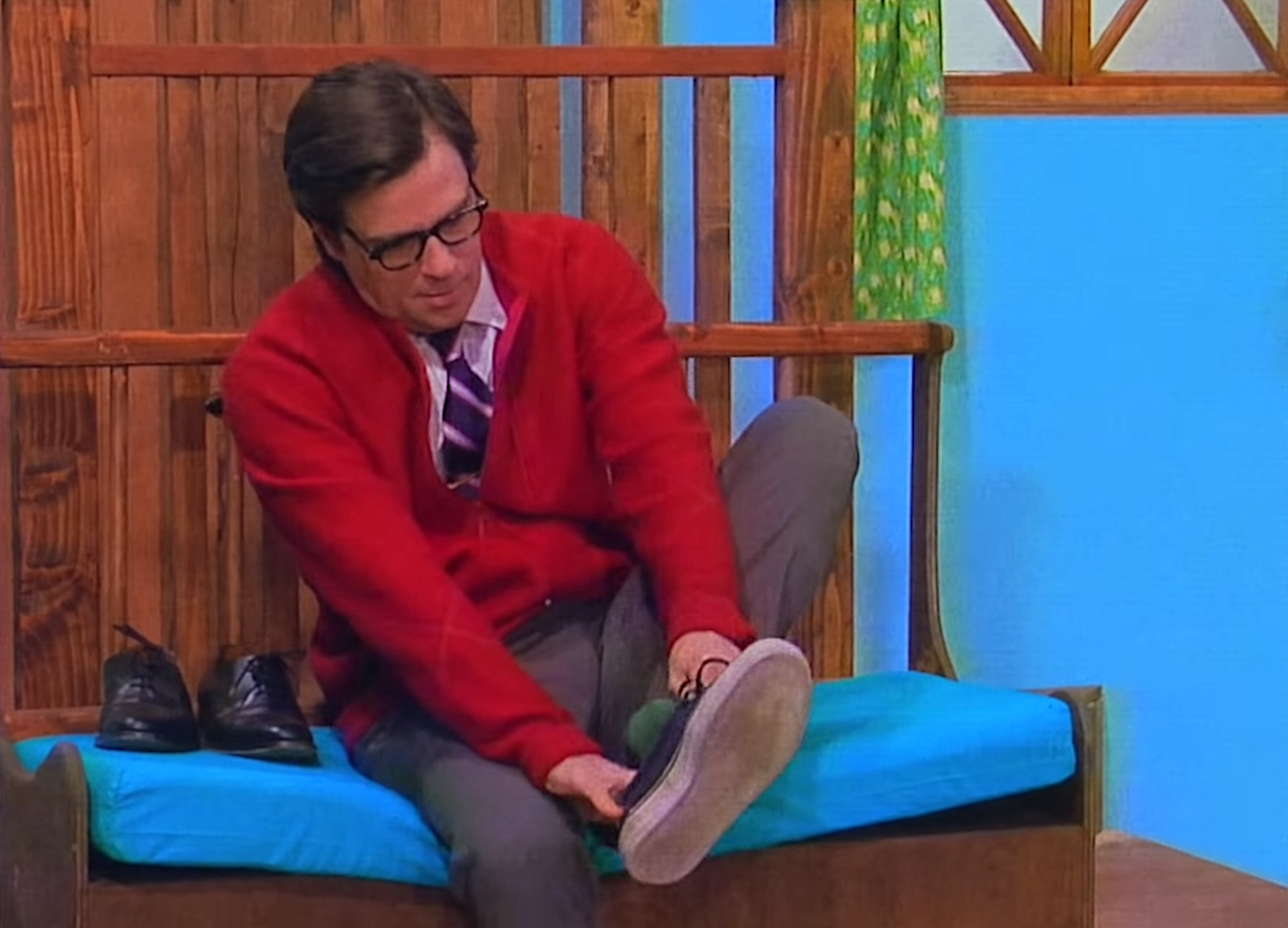 Rivers Cuomo Is an Eerie Mister Rogers in the Music Video for the New Weezer Song 'High as a Kite'