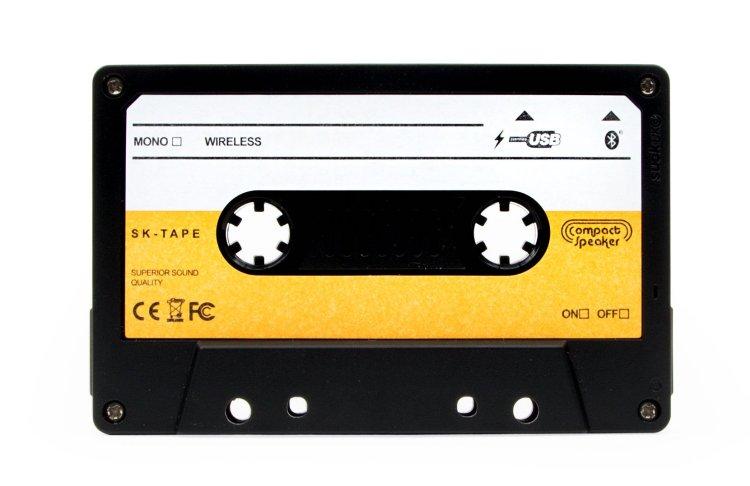 Cassette Speaker SUCK UK Front