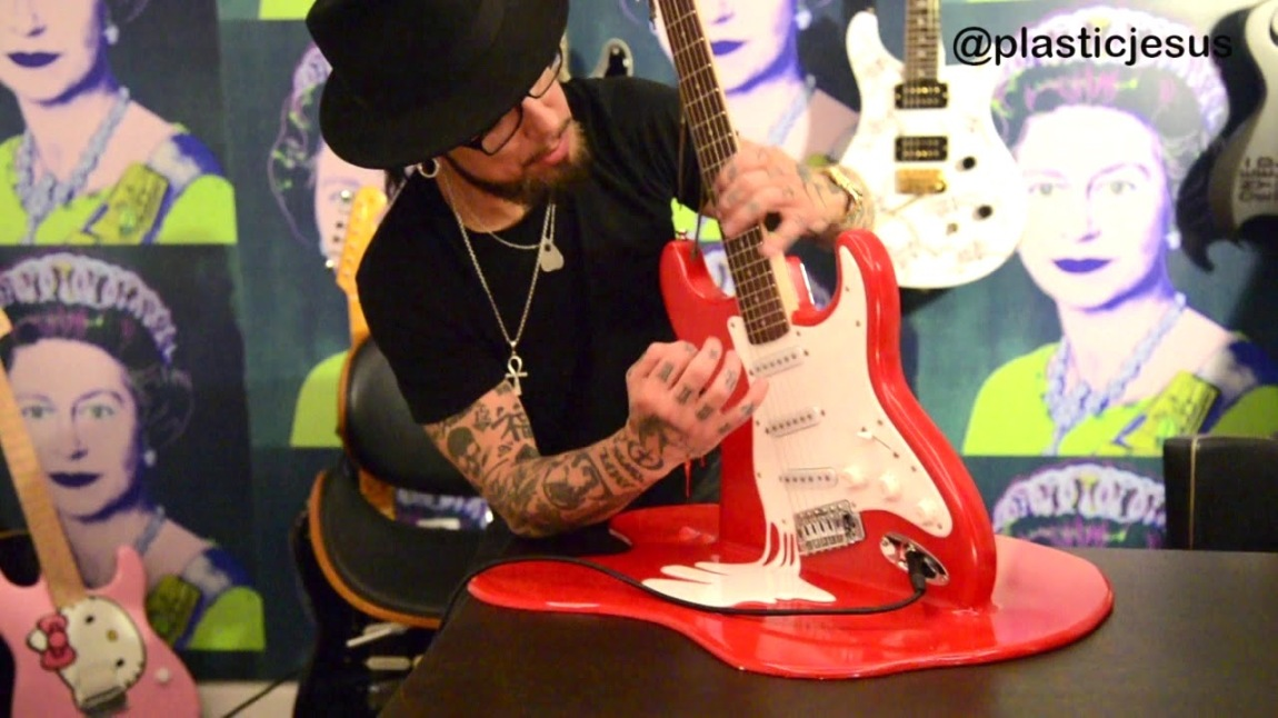 Dave Navarro Plays Melted Guitar