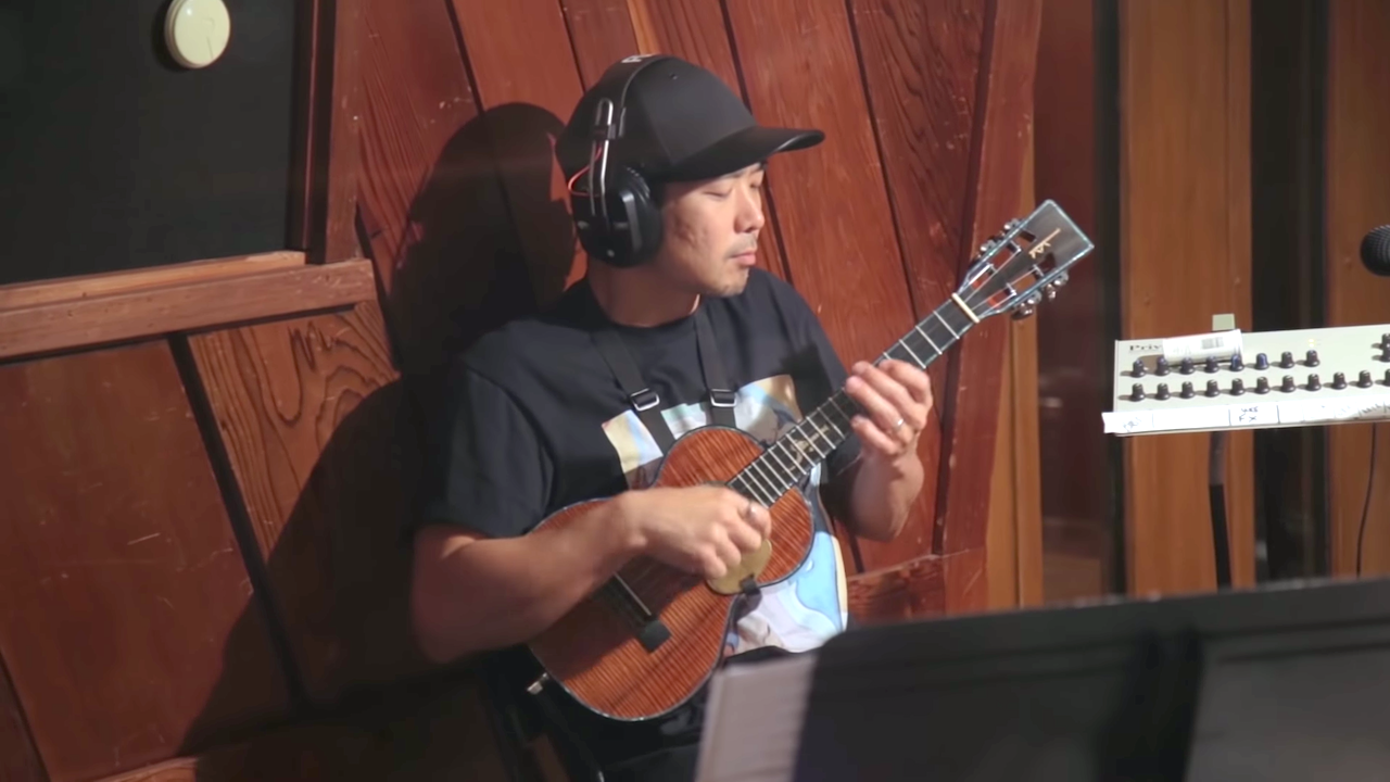 A Surprisingly Cheerful Jazz Ukulele and Slide Guitar Cover of The Beatles' Song 'Eleanor Rigby'
