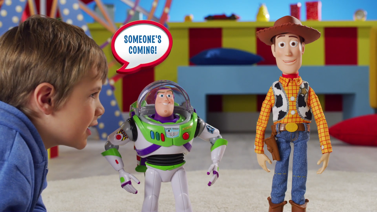 'Toy Story 4' Sheriff Woody and Buzz Lightyear Toys That Fall Down When Told That 'Someone's Coming'