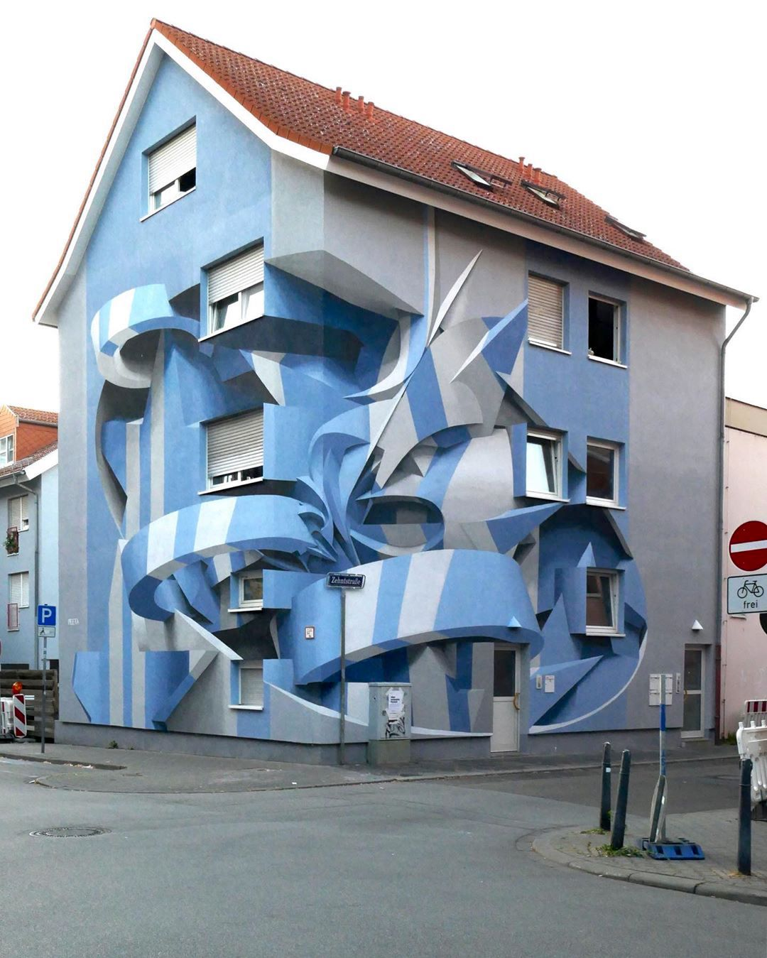 Giant Anamorphic 3D Architectural Murals That Appear to Jump Outward From the Walls of Buildings