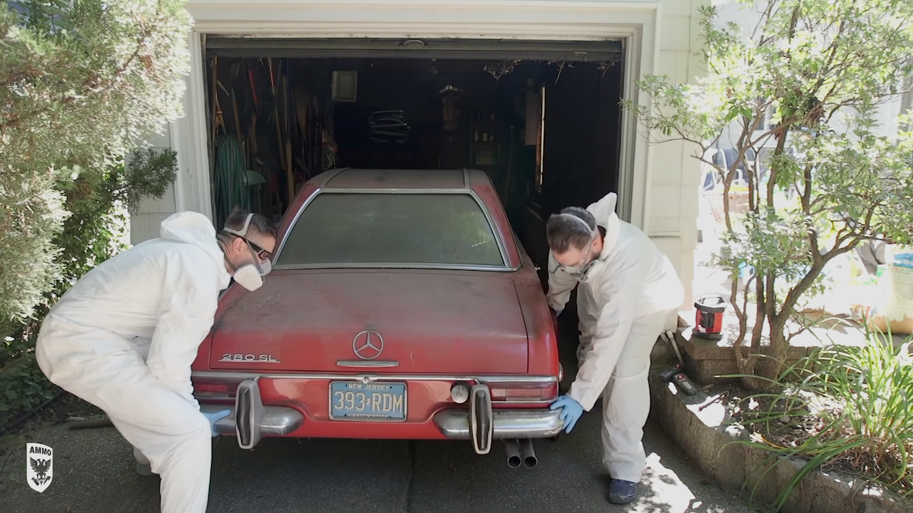 The Fascinating Process of Detailing a 1969 Mercedes 280 SL That Hasn't Been Washed in 37 Years