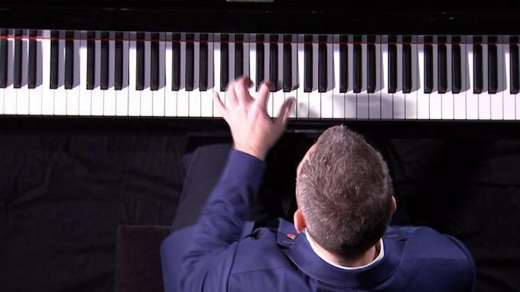 The World's Only One Handed Concert Pianist