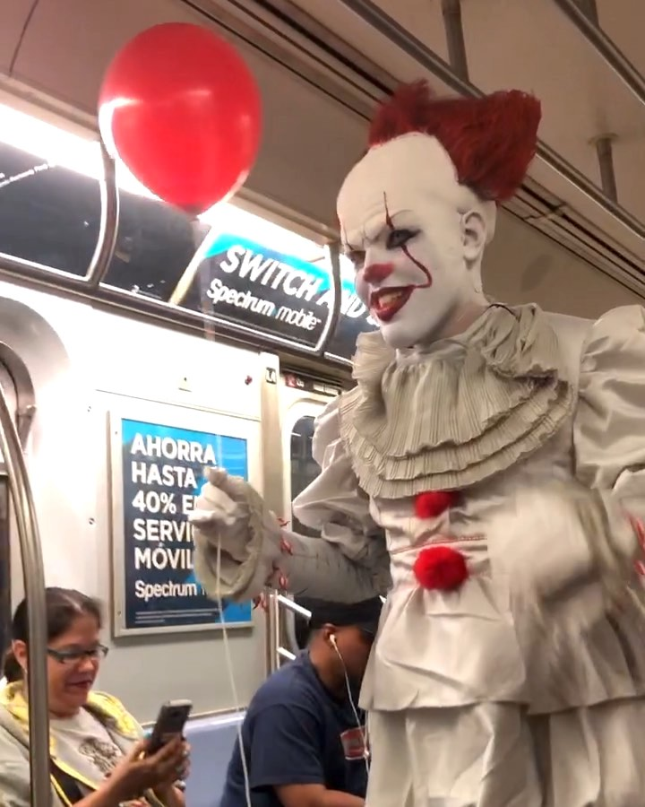 Pennywise the Clown Creeps Through a Subway Car Filled With Unimpressed New York City Commuters