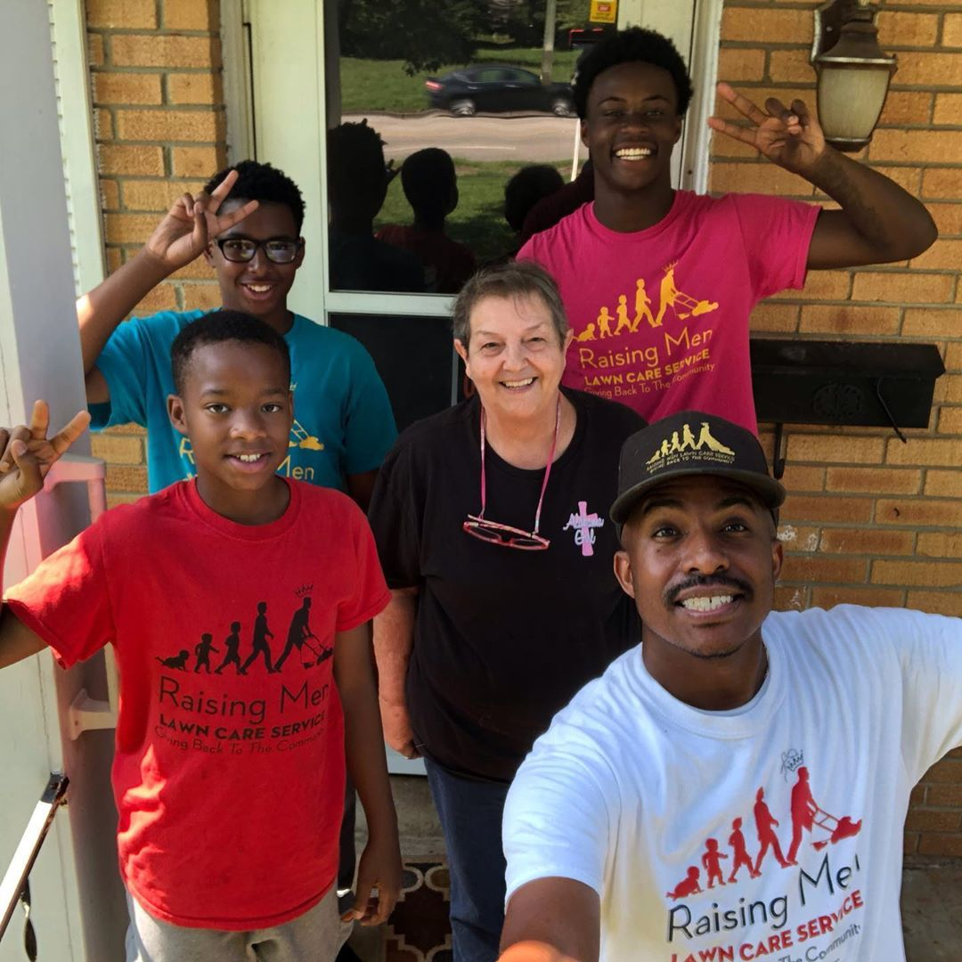 'Raising Men Lawn Care Services' Youth Program Offers Free Yard Work to Those Who Can't Afford It