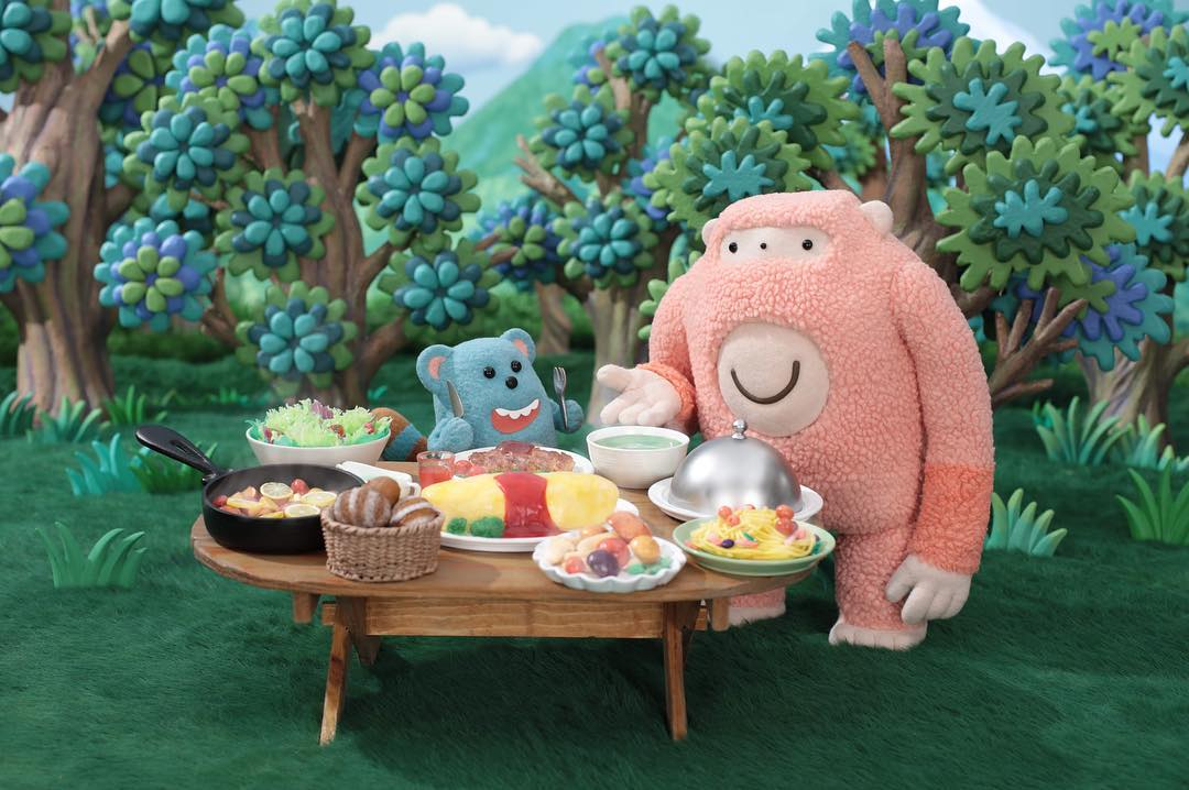 Pink Monster Who Loves Cooking Tries to Keep Spoiled Little Girl Happy With Food in a Stop Motion Animation