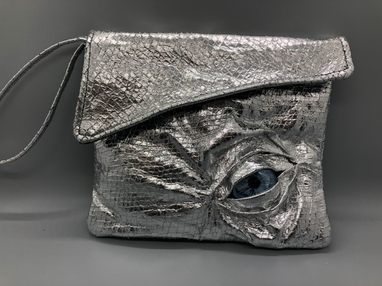 Dragon Clutch Silver