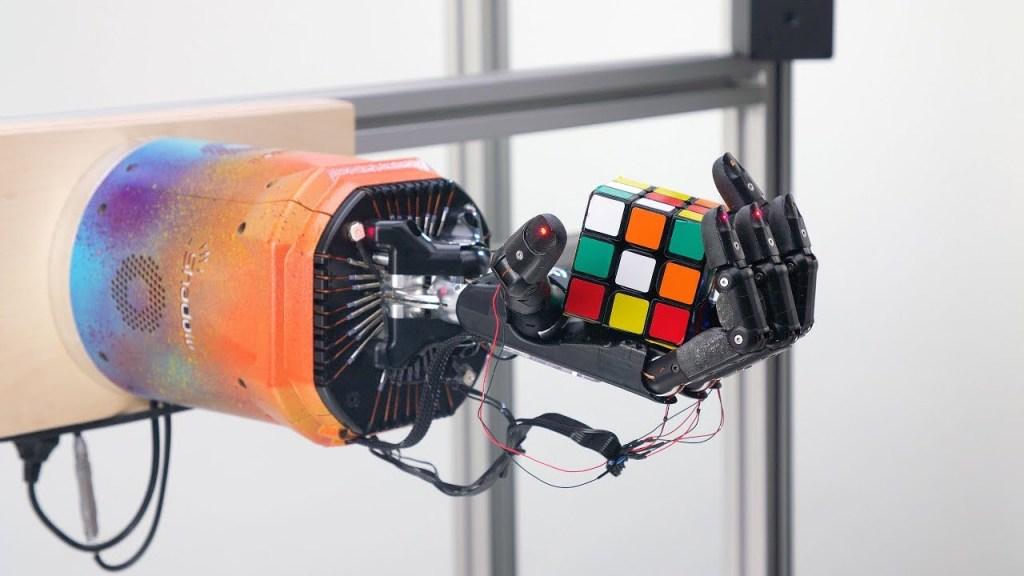 Rubik's Cube Solving Hand Robot