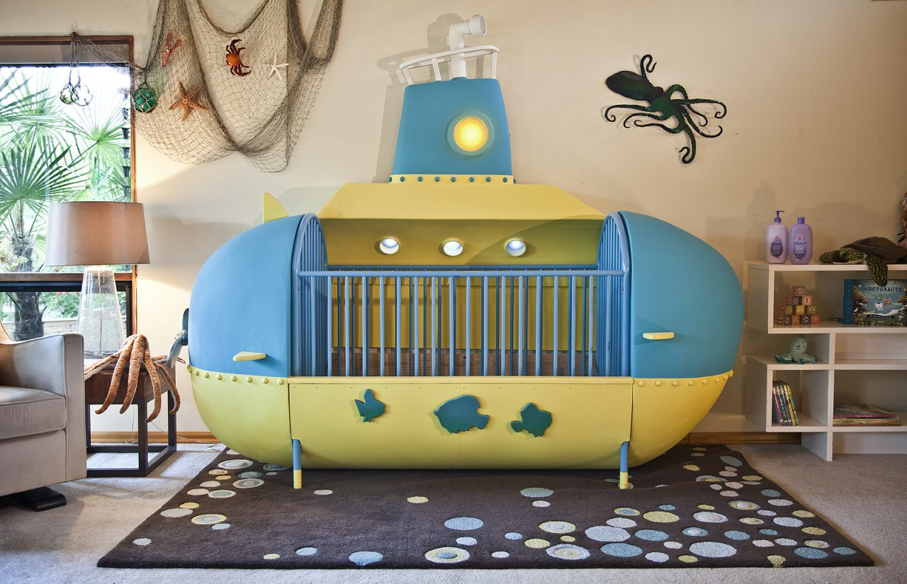 Handy Dad Builds a Wonderful Submarine Crib