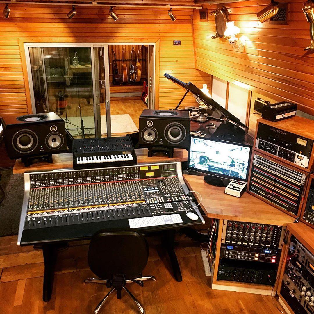 Grand Cru Studio