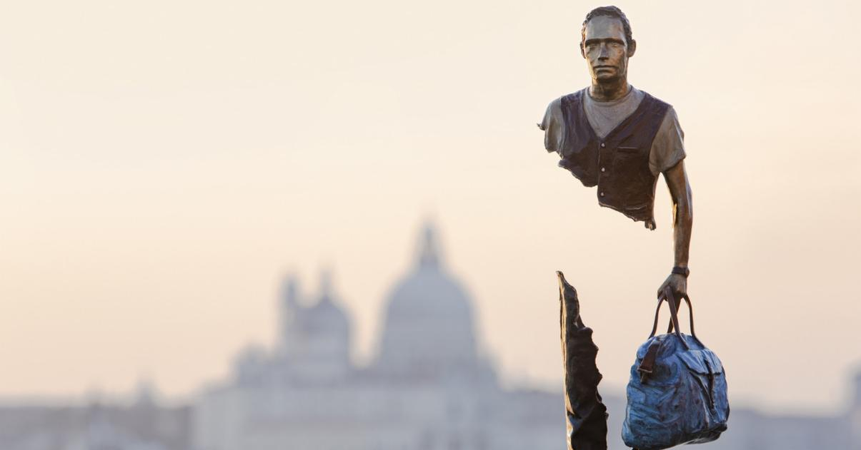 Ragged, Fractured Travelers Make Their Way Across Venice in Powerful Sculpture Series by Bruno Catalano