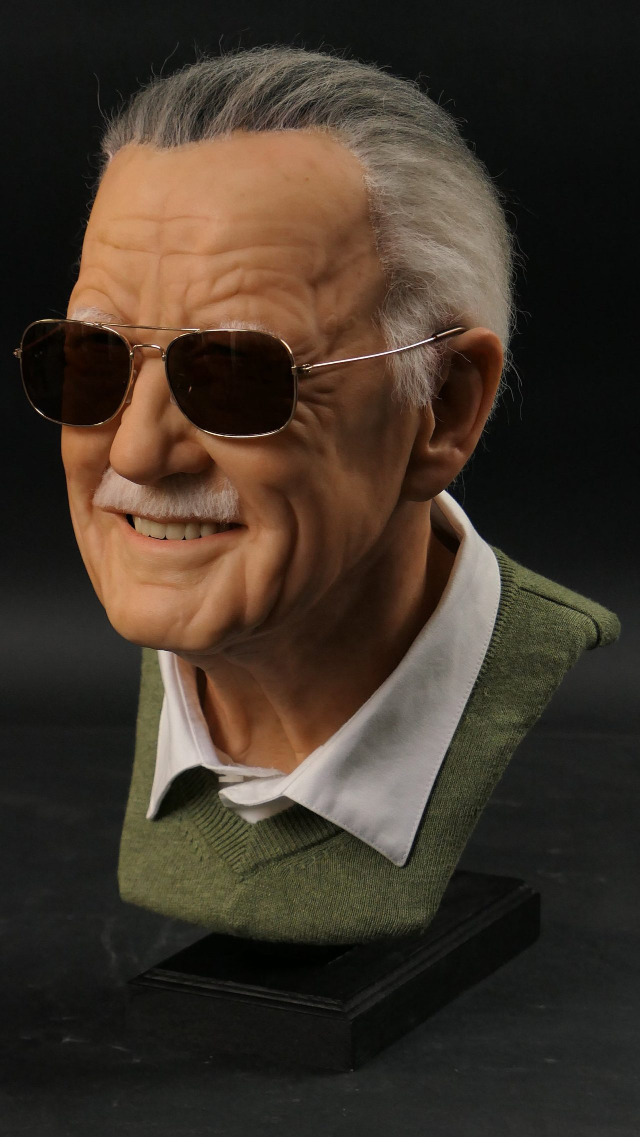 Stan Lee Sculpture Side