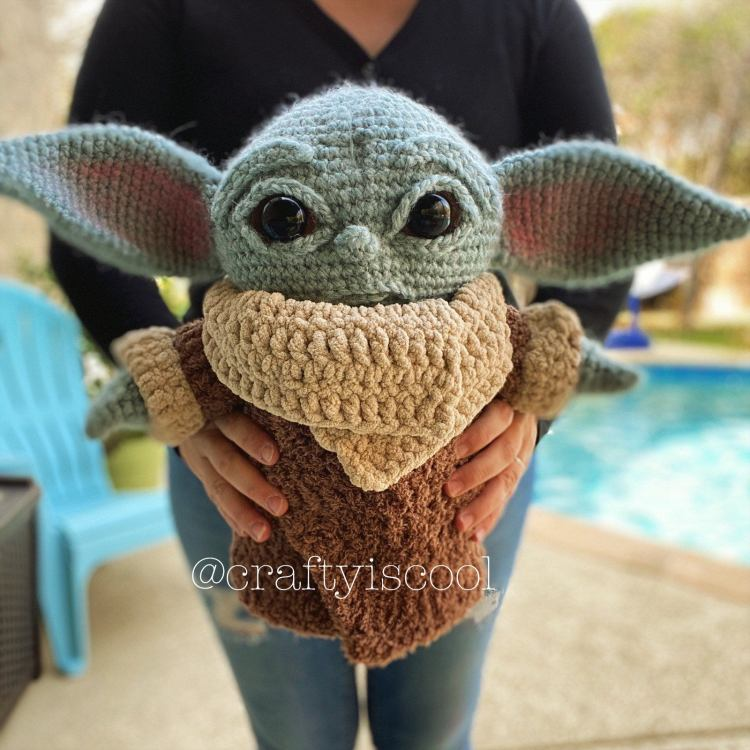 Baby Yoda Pattern in Arms