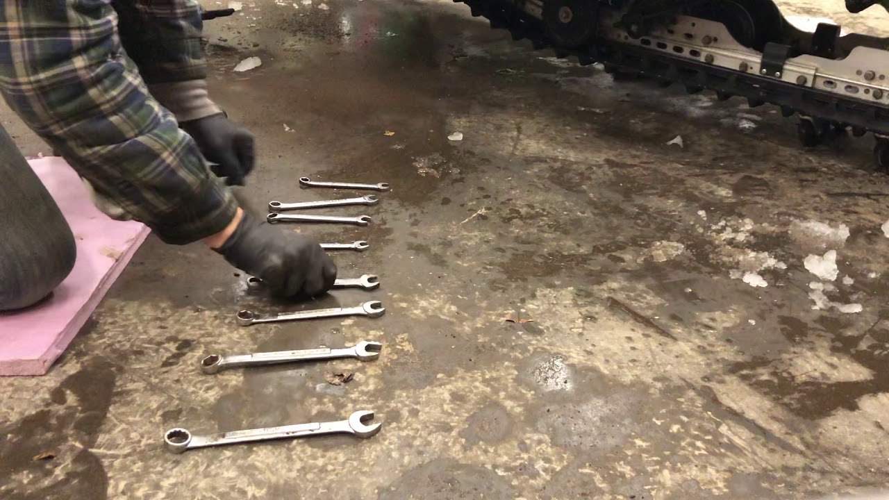 'Jingle Bells' Played on Garage Floor With 8 Wrenches