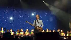 Paul McCartney Sings Some Metal For Christmas