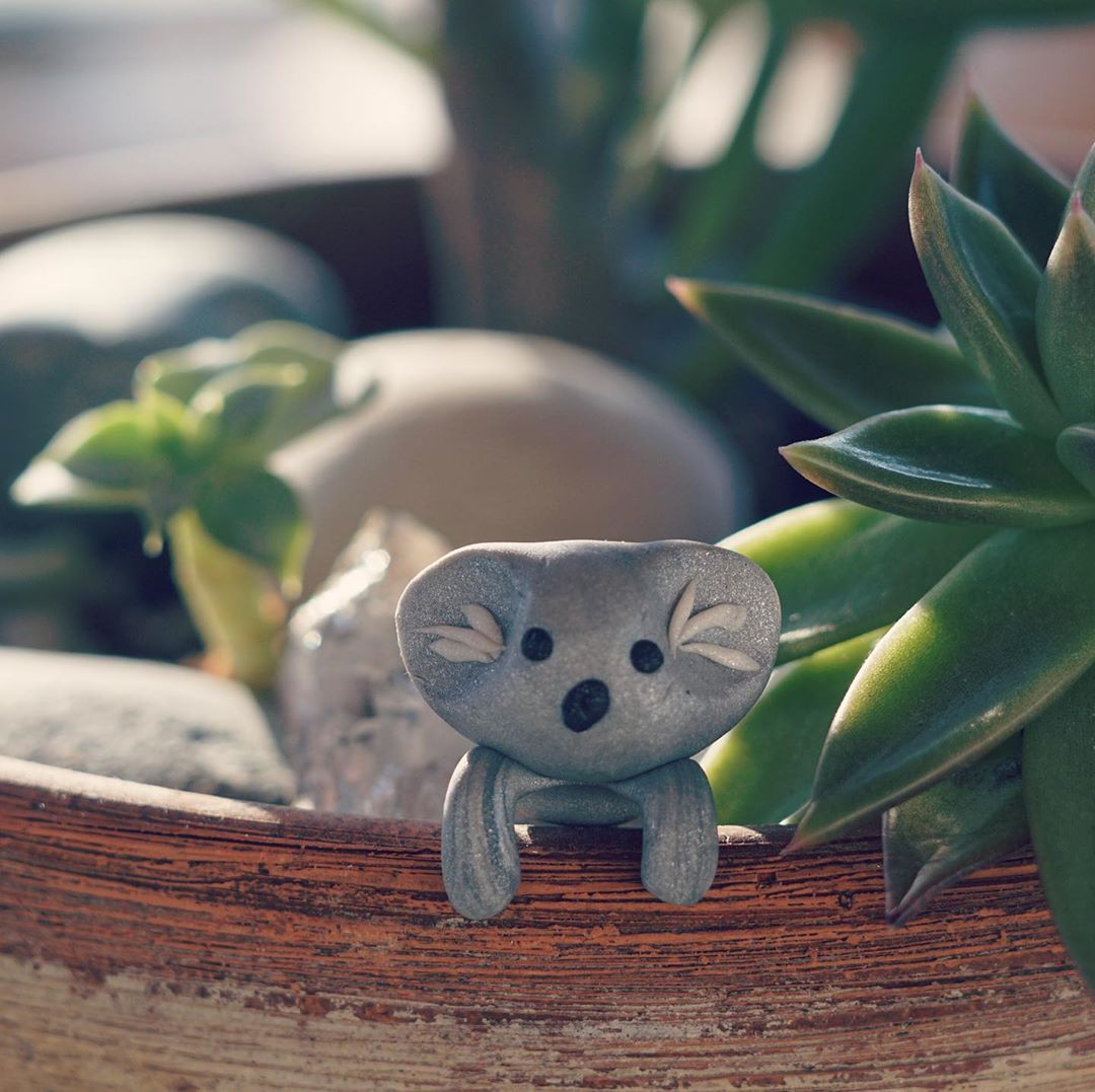 6 Year Old Boy Makes Little Clay Koalas to Raise Money For Injured and Displaced Animals in Australia