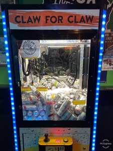 White Claw Claw Machine