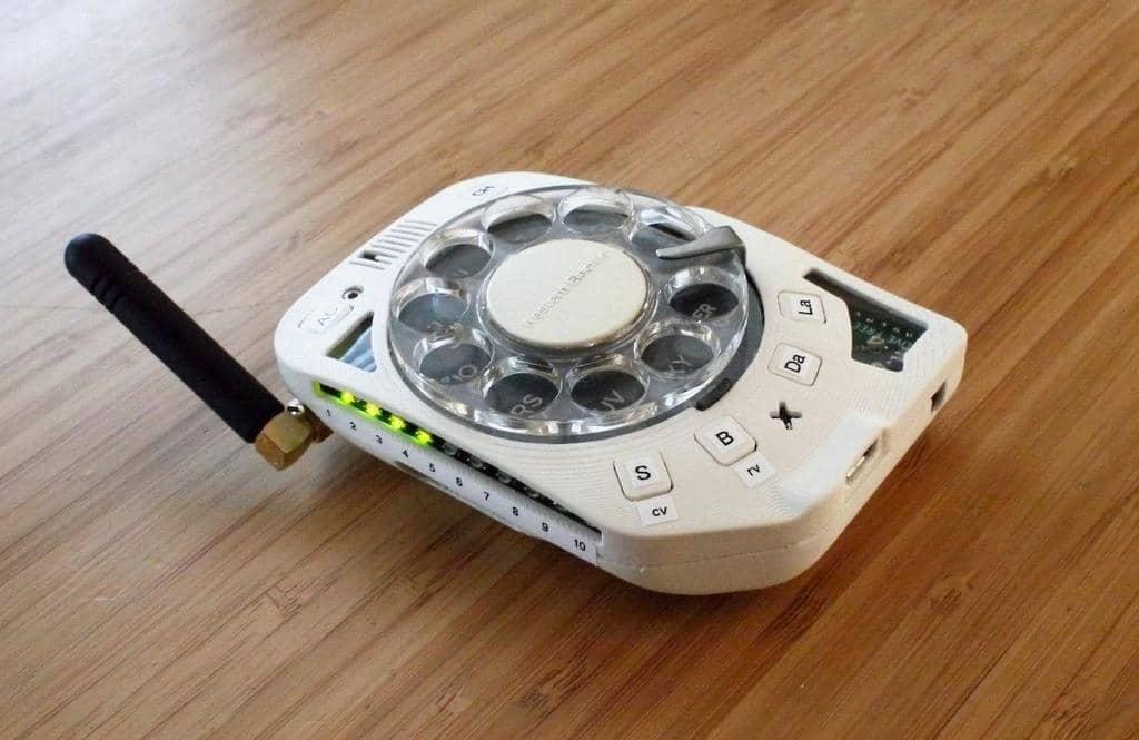 ABDde-Bir-Muhendis-Döner-Kadranli-cep-telefonu-tasarladi
