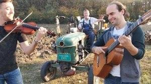 Guitar Violin Tractor