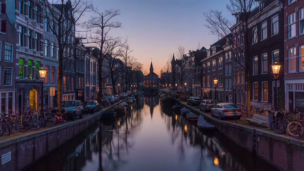 A Gorgeous 4K Timelapse Film That Captures Two Years of Changing Seasons in Amsterdam