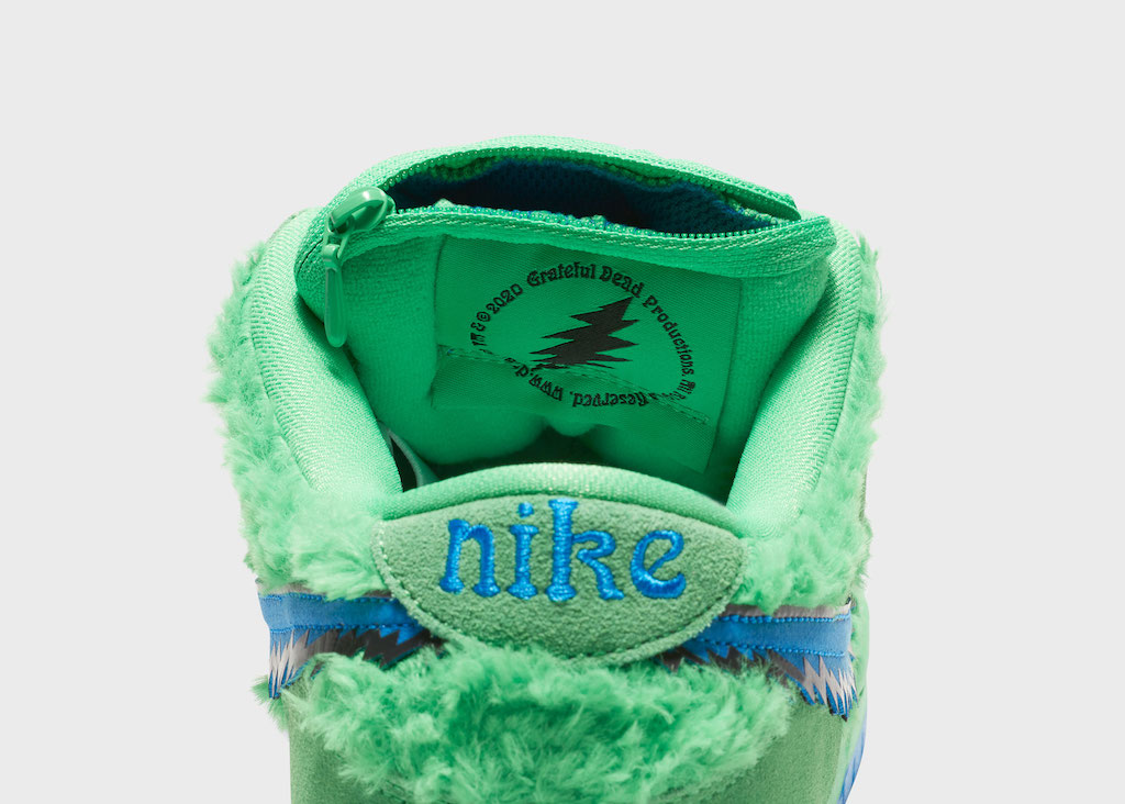 NIKE Grateful Dead Steal Your Face Green