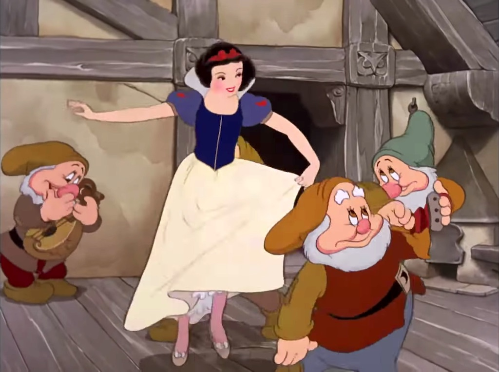 Snow White Dancing