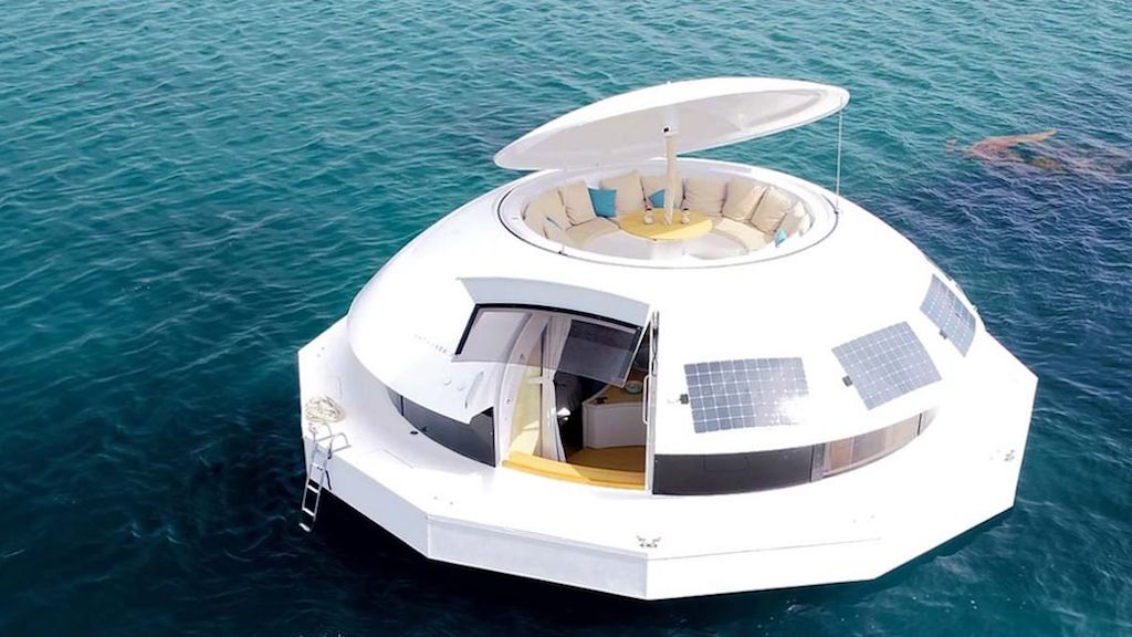 Anthénea, An Autonomous Floating Luxury Hotel Pod