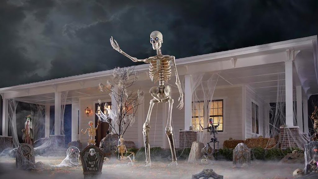 Giant Yard Skeleton
