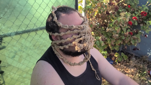 Rubber Band Alien Face Hugger DIY