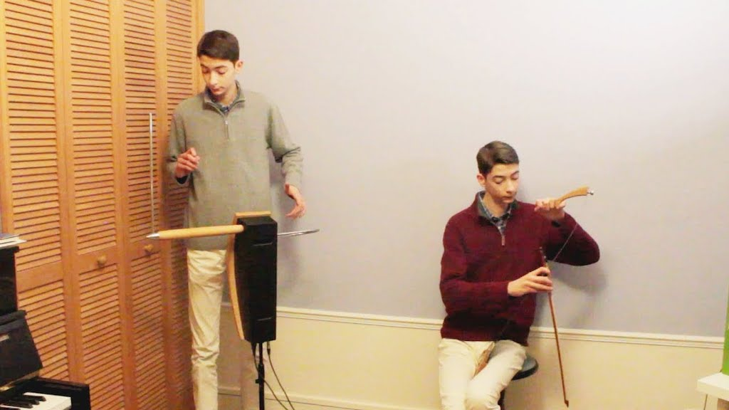 Theremin and Musical Saw Passacaglia