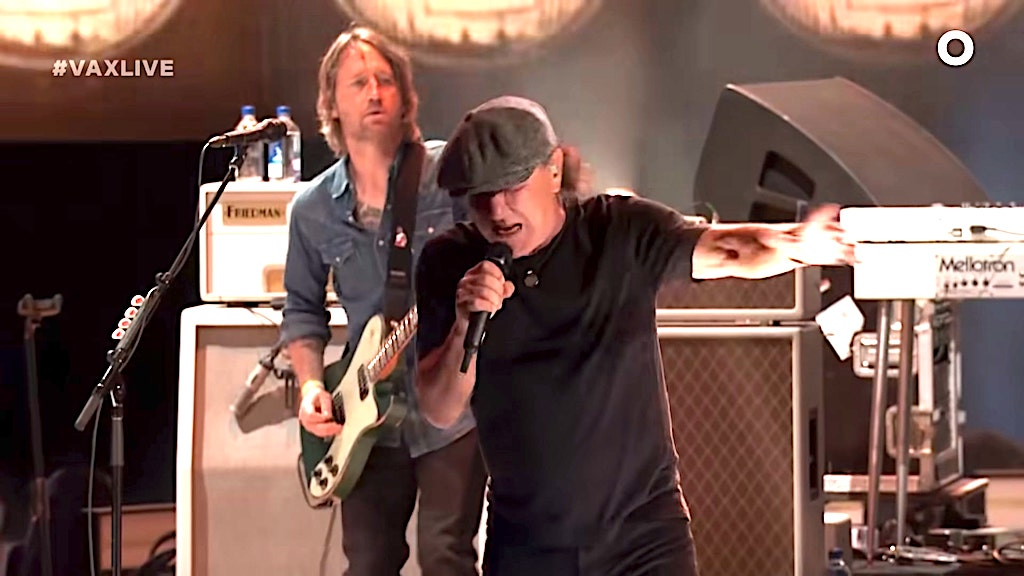 Foo Fighters Brian Johnshon ACDC Back in Black Vax Live