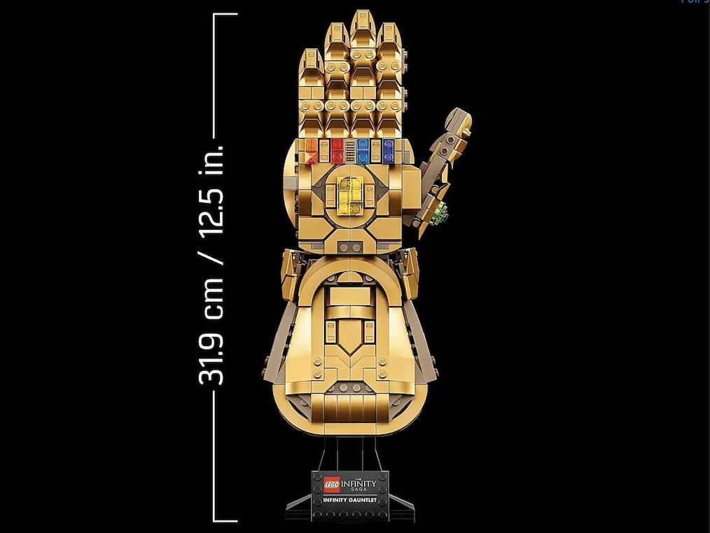LEGO Infinity Gauntlet Size