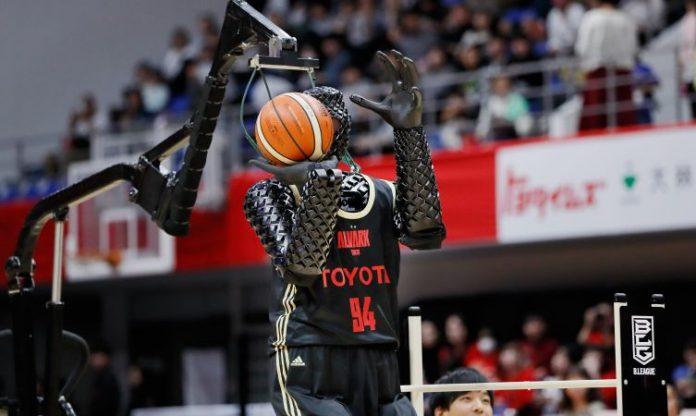 Cue 4 Robot Basketball