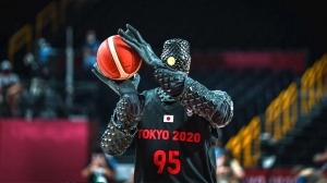 Robot Sinks Two Shots During Halftime at Basketball Game Olympics
