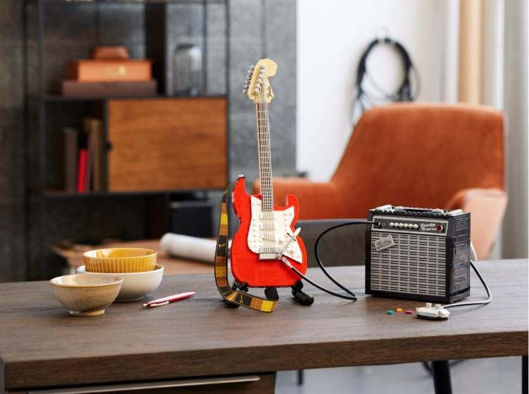 Fender Stratocaster LEGO Set Table