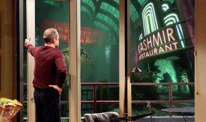 Frasier Looking at BioShock
