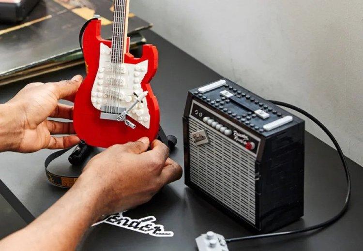 LEGO Fender Strat and Amp