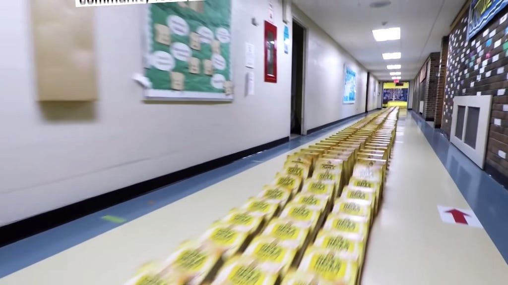 Longest Cereal Box Dominoes Guinness World Records