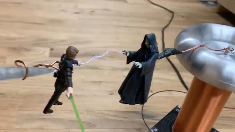 Emperor Palpatine Uses Tesla Coil Lightning on Luke Skywalker