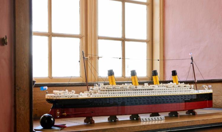 LEGO Titanic Window