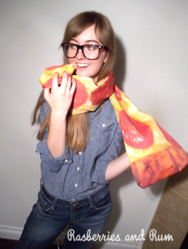 Pizza Scarf