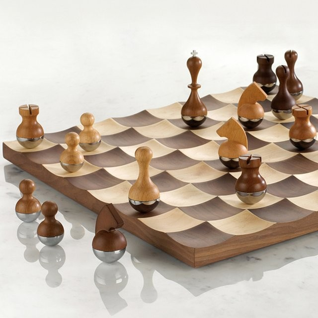 Wobble chess set a chess set with wobbly pieces - Umbra chess set ...