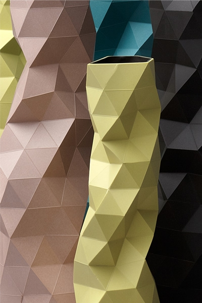 32_faceture-close-up-vases