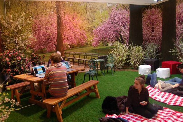 Park here an indoor pop up park in new york city for Indoor gardening nyc