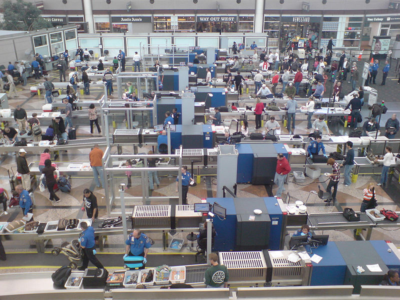 800px-Security_Screening_at_the_Denver_Airport