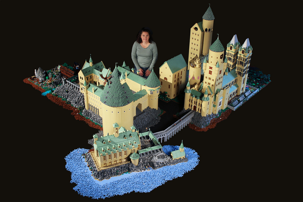 Harry Potter's Hogwarts School Recreated Using 400,000 LEGOs
