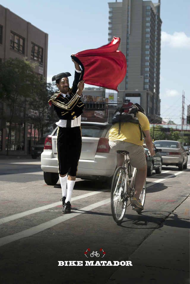 Bike Matador Provokes Minneapolis Bicyclists, Not Bulls